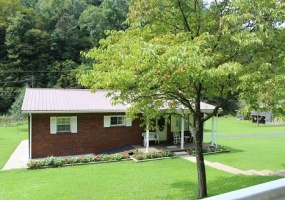 1741 Main Smokehouse Road,West Virginia 25508,3 Bedrooms Bedrooms,2 BathroomsBathrooms,House,Main Smokehouse Road,1147
