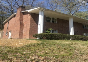 34 Hill Drive,West Virginia 25508,4 Bedrooms Bedrooms,3 BathroomsBathrooms,House,34 Hill Drive,2,1222